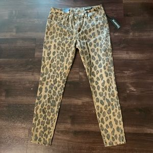 NWT BlankNYC Leopard Jeans